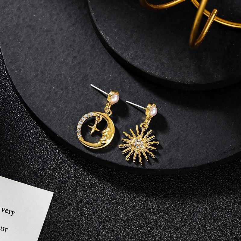 Rhinestone Universe Starry Sky Moon Asymmetric Earrings Female Korean Internet Celebrity Temperament Niche Jewelry Wholesale