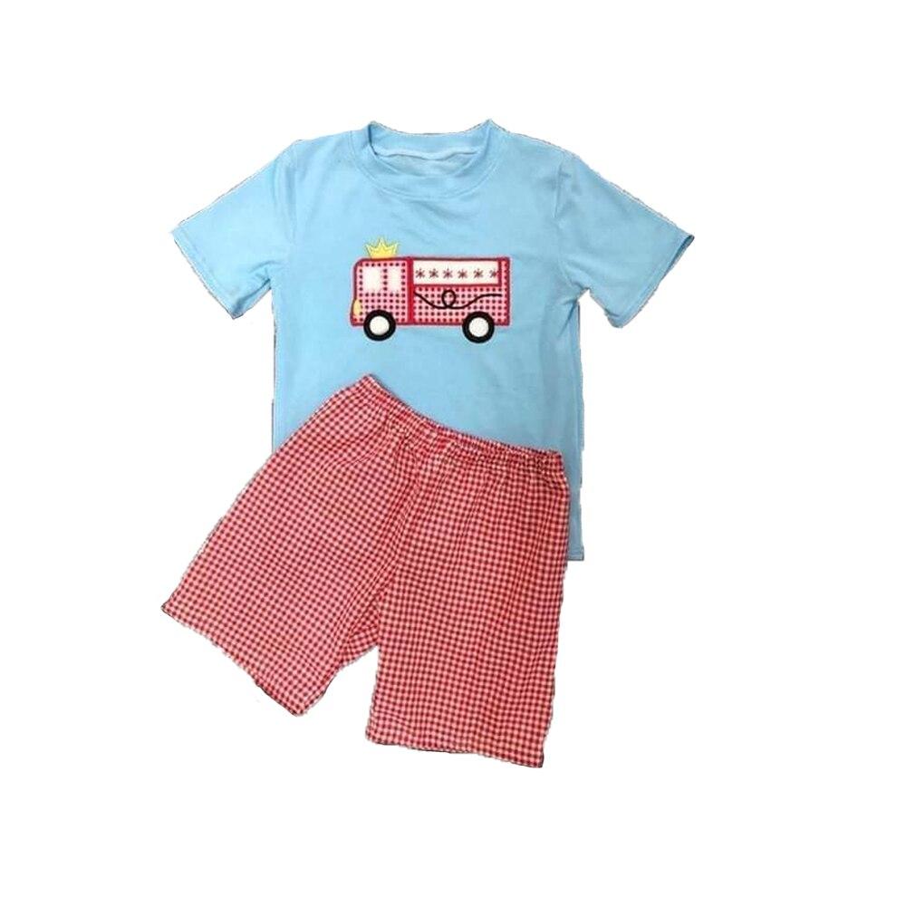 Летняя одежда, синий топ с коротким рукавом и красные клетчатые шорты, красная клетчатая Одежда для мальчиков с вышивкой пожарной машины
