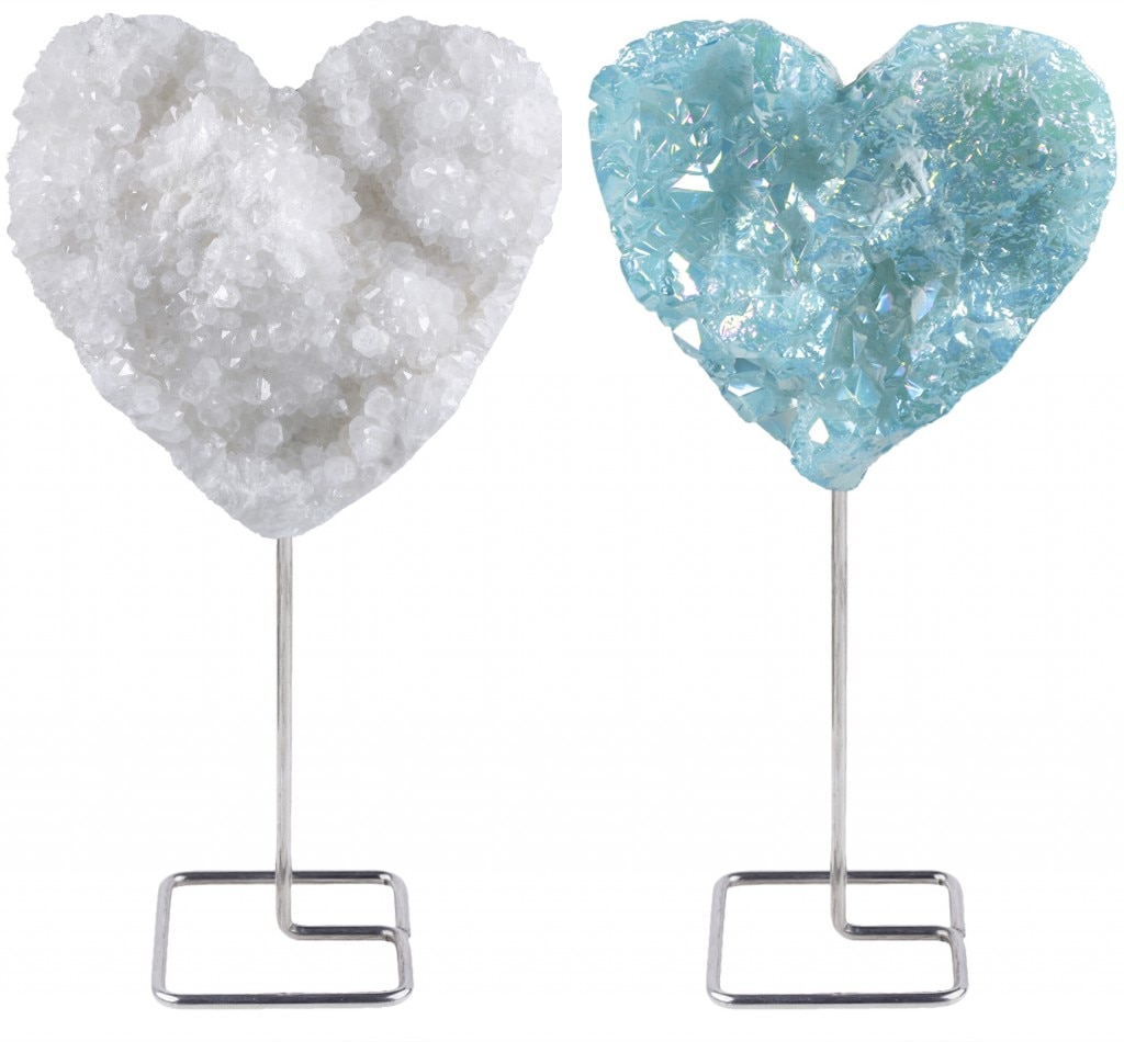 TUMBEELLUWA Natural Heart Shape Rock Crystal Cluster Geode with Metal Stand Display Desk Ornament Healing Reiki Stone Home Decor недорого