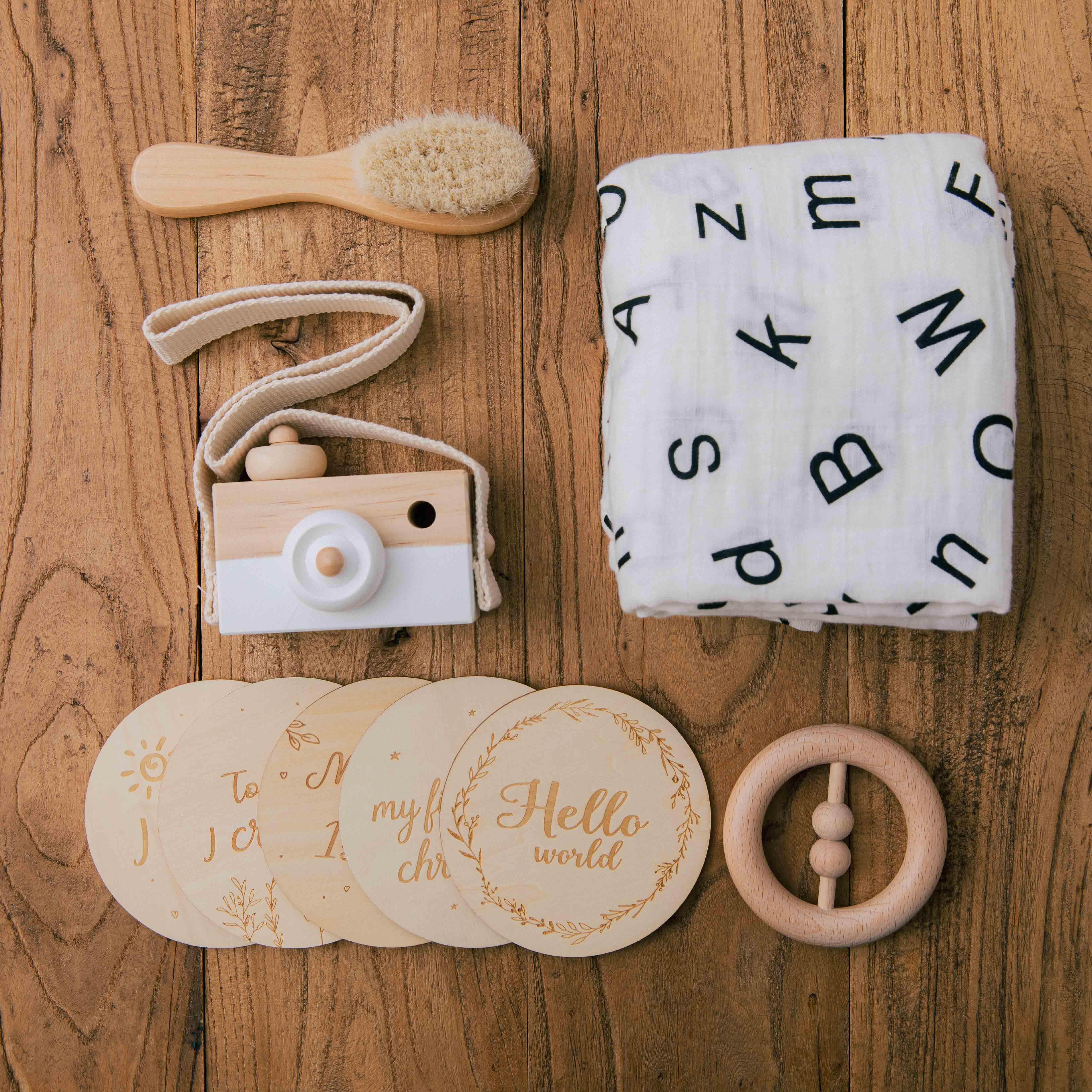 Newborn Photography Accessories Set Wooden Milestone Card Camera Toys Combination Newborn Growth Photo Birth Gift Product
