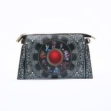 Bolso de cuero de estilo étnico a la moda bolso de mensajero moderno con estampado de personajes de diseño al óleo característico femenino