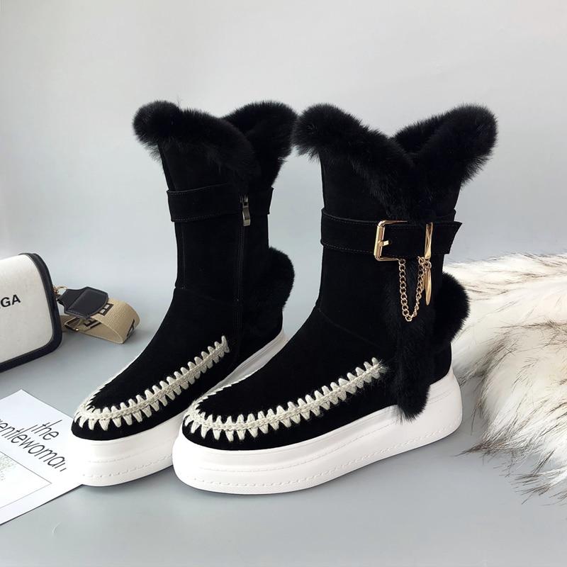 Botas de nieve a media pantorrilla de piel de ante de vaca natural para mujer Cadena de hebilla de metal moda femenina invierno frío bootss zapatos de alta calidad