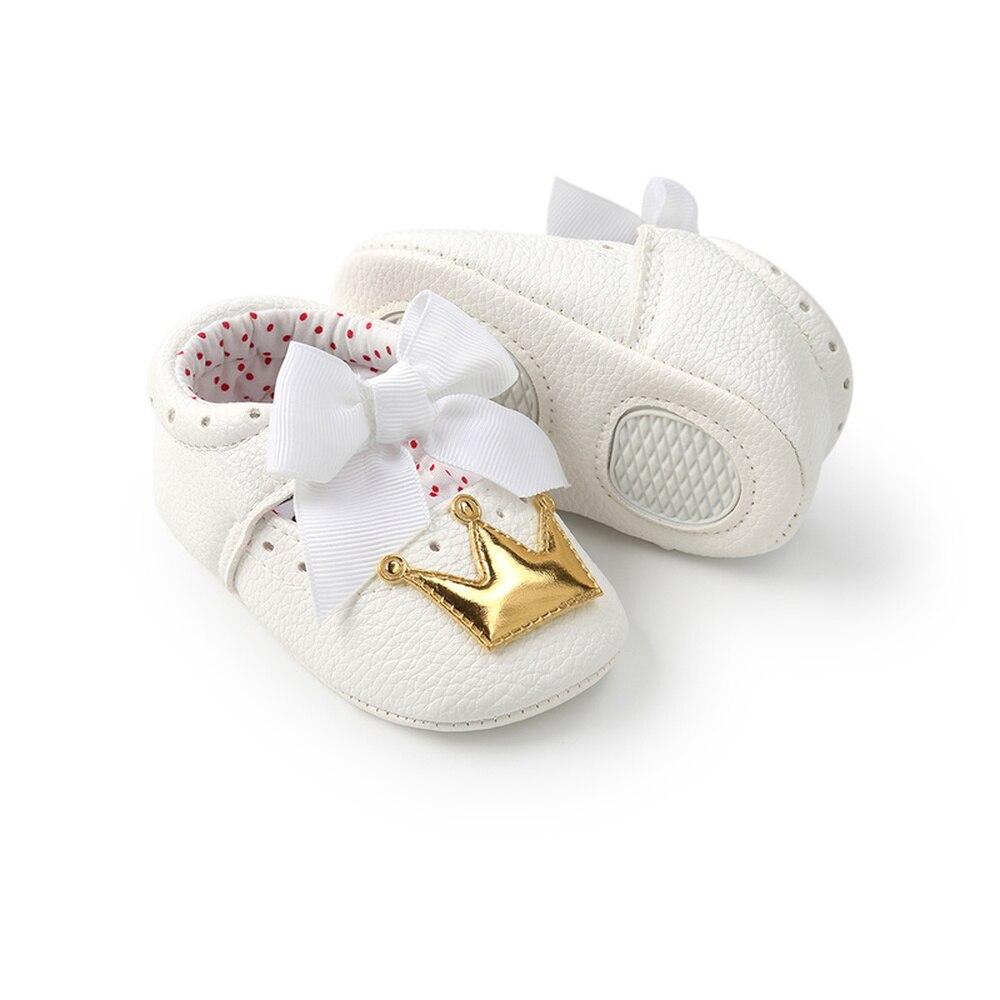 Zapatos de bebé niña princesa Bling sparkle Crown blanco Bowknot niño suela de goma antideslizante Primeros pasos mocasines infantiles recién nacidos