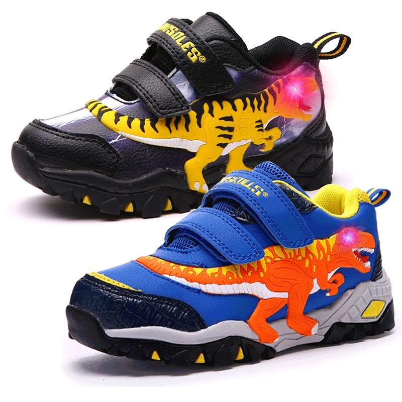 Dinoskulls الفتيان LED أحذية التنس الرياضة الاطفال تضيء أحذية رياضية ديناصور متوهجة الأطفال المدربين تشغيل الربيع الصبي الأحذية