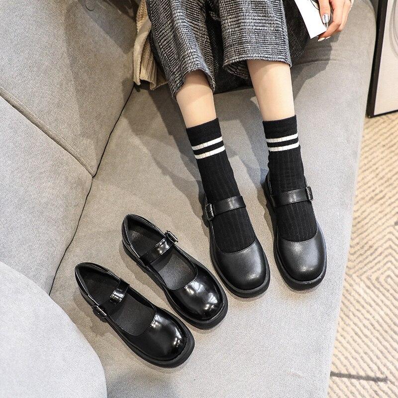 Primavera e Outono Estudantes Lisos Estilo Coreano Versátil Preto Sapatos Femininos Inglaterra Lykj-yzl 6 Pçs