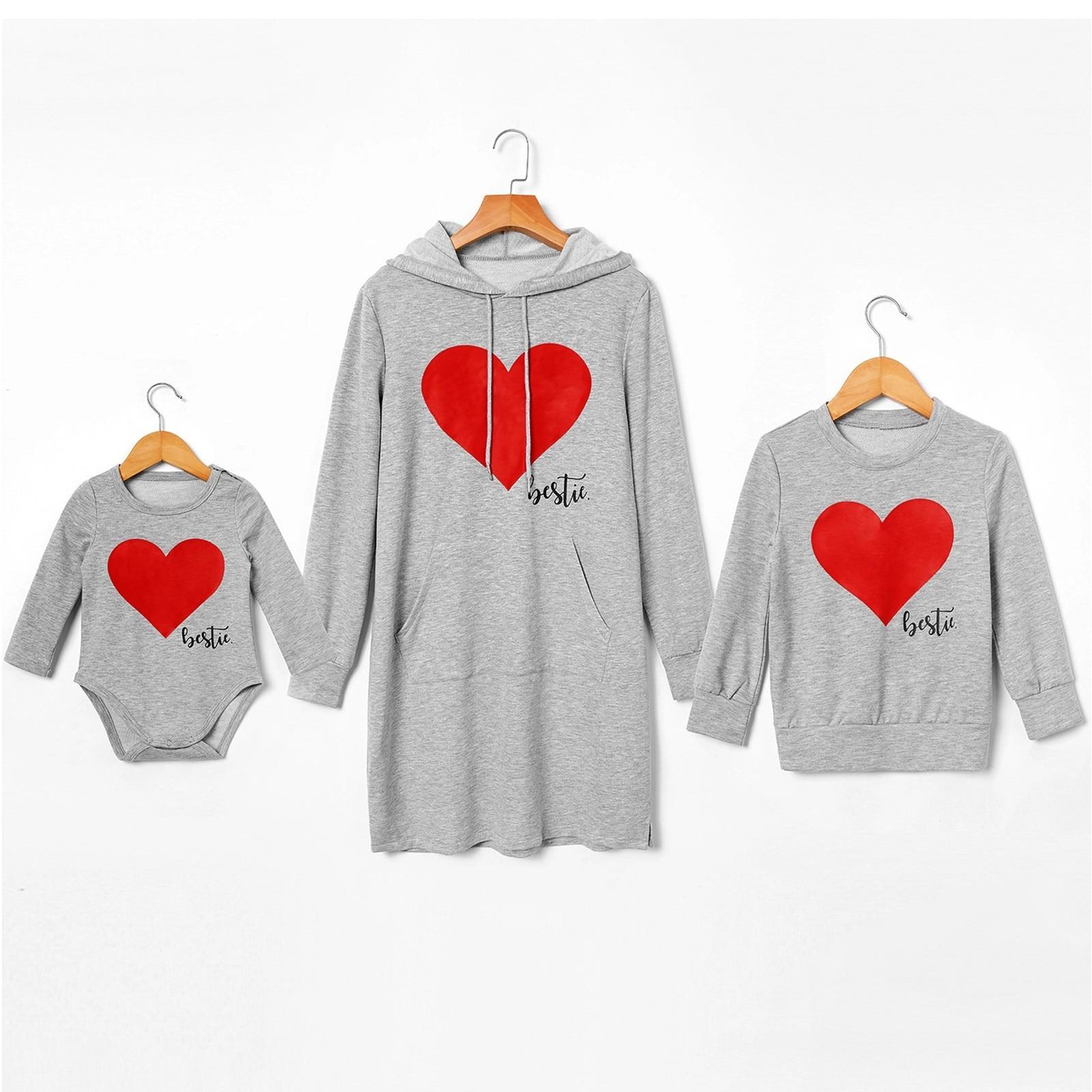 Natal 2020 inverno família roupas combinando coração impressão manga longa pai criança casual terno top print macacão outfit