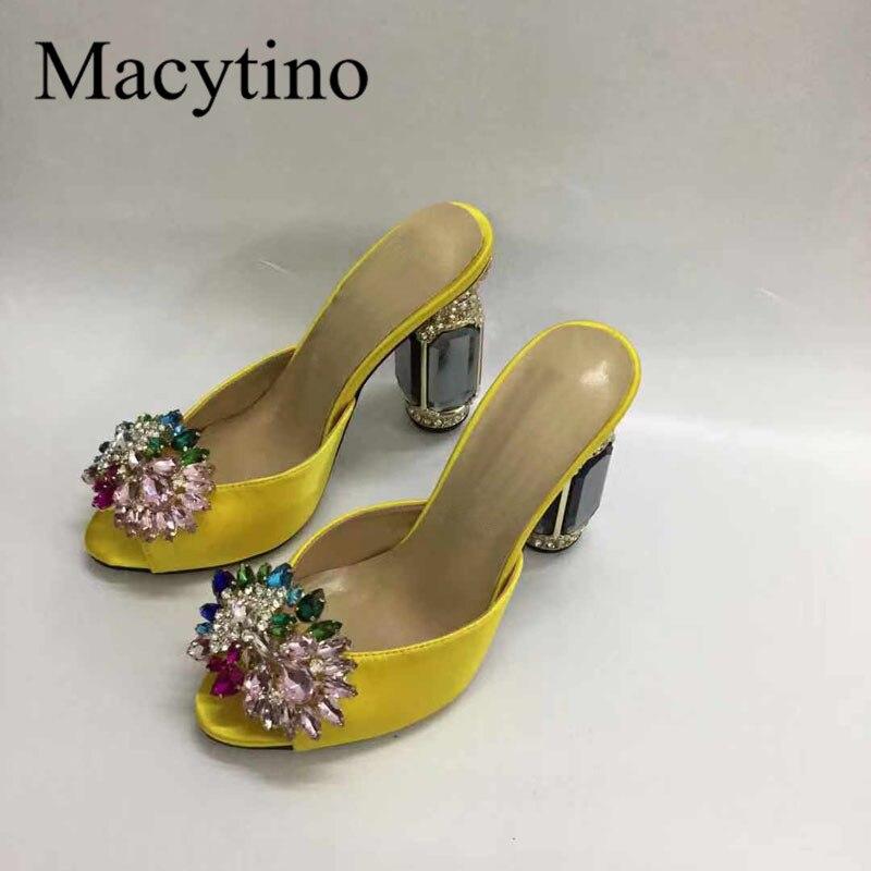 حذاء نسائي من الجلد بكعب عريض ، حذاء صيفي مرصع بالكريستال الملون ، مقاس كبير 43