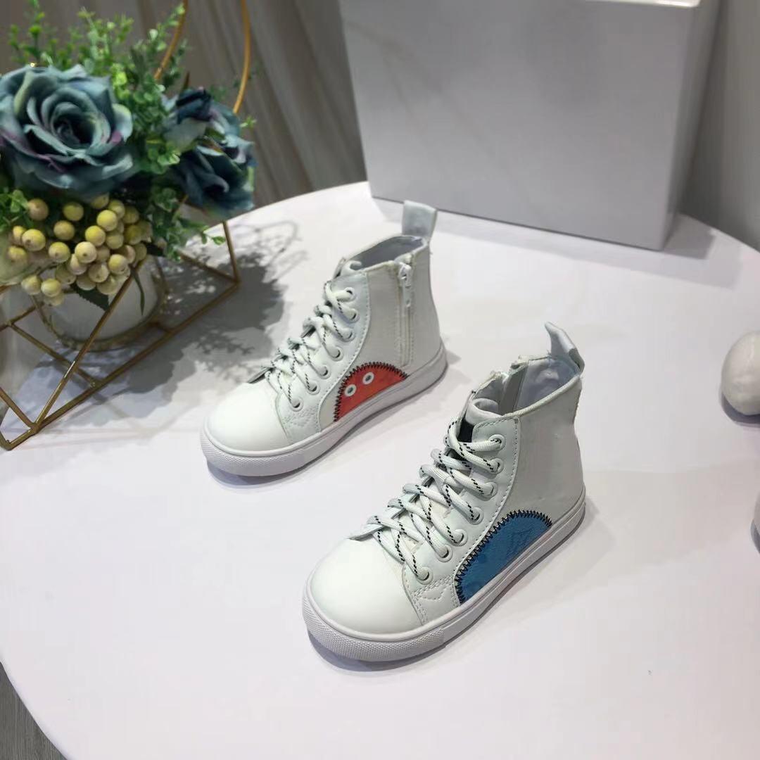 2021 أفضل الخريف والشتاء جديد للأطفال أحذية عالية الجودة أسود أبيض الترفيه موضة العلامة التجارية الرجال و أحذية نسائية 26-35