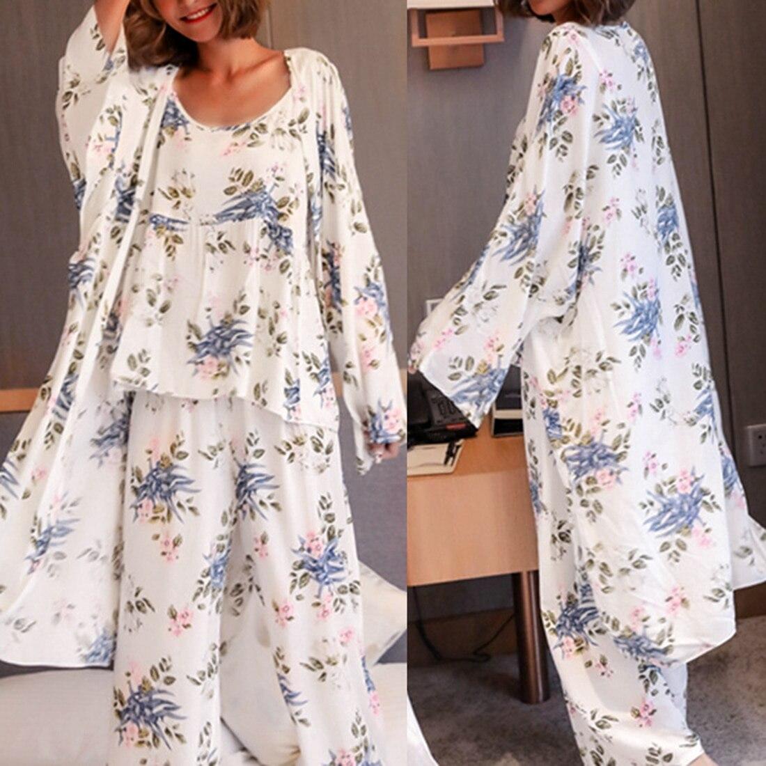 2019 new elegant luxury silk pajamas for women solid embroidery pyjamas women lounge pajama sets v neck silk satin pijama Women Pajamas 3 Pieces Satin Sleepwear Pijama Silk Home Wear Home Clothing Embroidery Sleep Lounge Pyjama Pyjamas Set