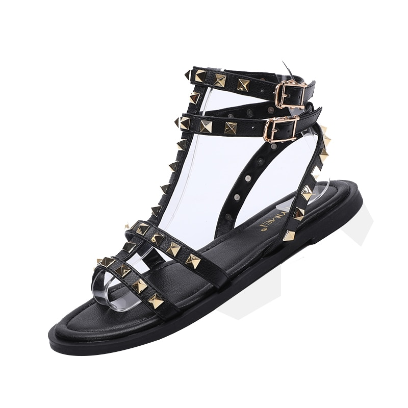 2020 new summer European and American rivet flat shoes tide students beach vacation Rome sandals wom