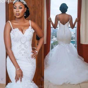 African Lace Beaded Wedding Dresses Mermaid Backless Spaghetti Straps Bridal Dress Buttons Vestido de Noiva Plus Size платье