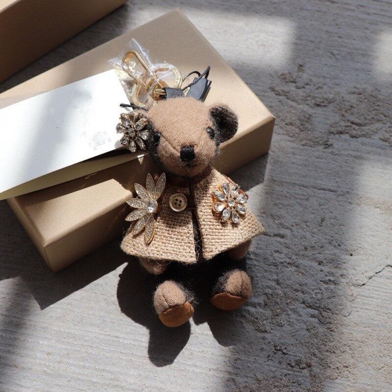 الماركات الفاخرة Kawaii الدب سلسلة مفاتيح سحرية خمر لعبة من الكارتون دمية سيارة الحلي حلقة رئيسية زوجين حقيبة اكسسوارات مجوهرات هدايا