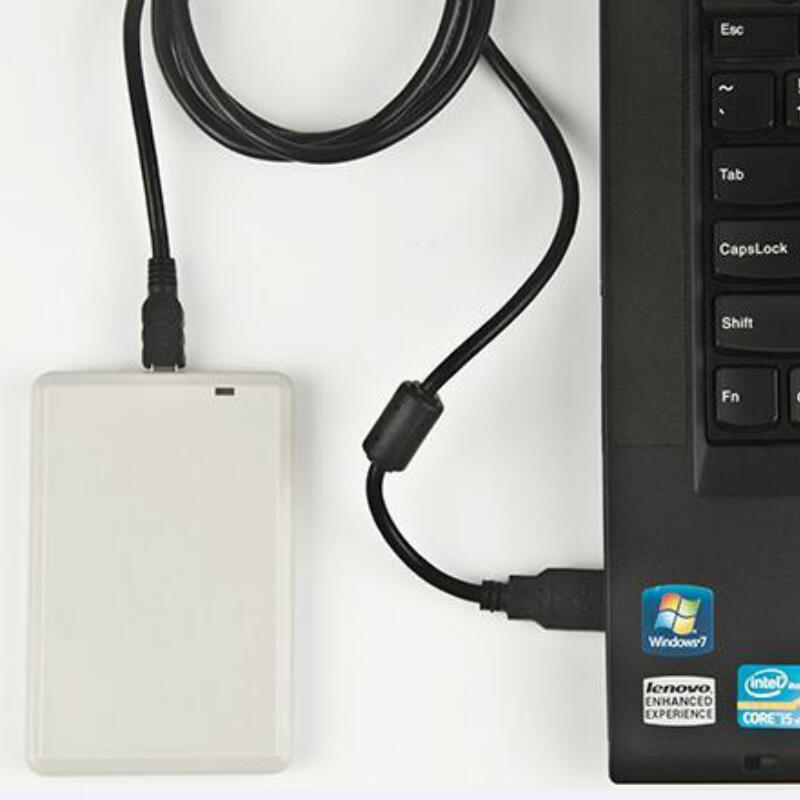 أوف سطح المكتب أوسب أوف قارئ رفيد الكاتب ISO18000-6B/6C لنظام التحكم في الوصول الحرة 5 قطعة أوف عينة بطاقة العلامة سك التجريبي البرمجيات