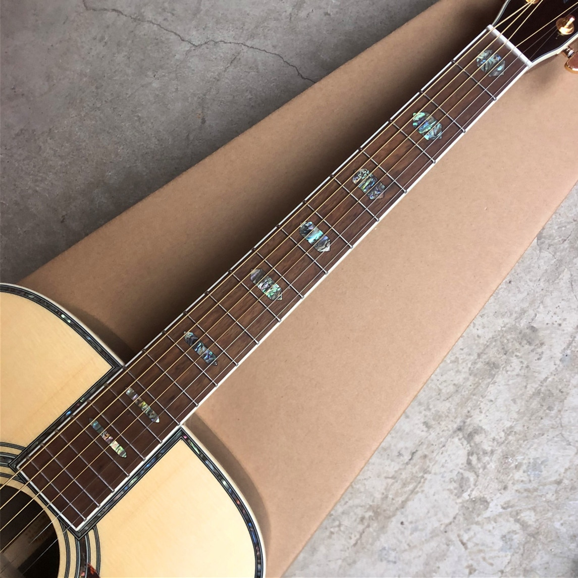 Factory Shop 41 Inch Solid Spruce D Style Acoustic Guitar Rosewood Fingerboard and Body enlarge