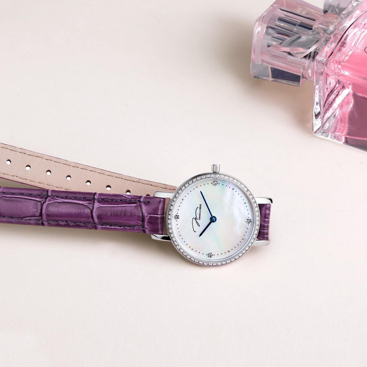 Ladies Watch Retro Luxury Mother-of-Pearl Disc Diamond Leather Waterproof Fashion Trend High Quality Ladies Watch enlarge