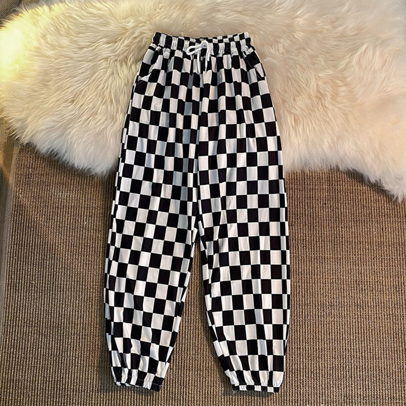 Round neck black and white plaid trousers with ankle feet, women loose and versatile, Hong Kong style, Korean style, fashion, we