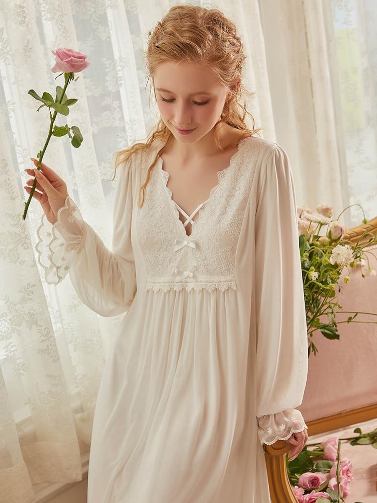 رداء نوم نسائي دانتيل أبيض عتيق كم طويل أنيق أميرة ملابس نوم طويلة فستان نوم ملكي فضفاض ربيع خريف