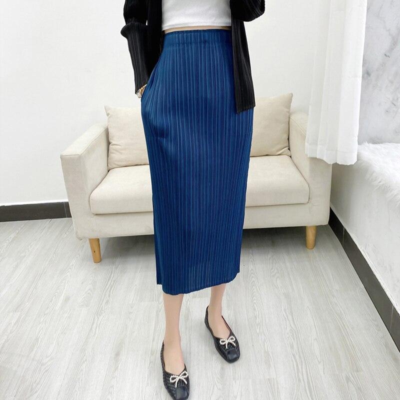 Miyake مطوي امرأة تنورة غير رسمية 2021 الربيع/الصيف جديد مزاجه ضئيلة أنيقة صغيرة نحيل تنورة الأساسية للمرأة
