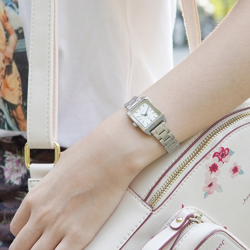 WWOOR Women Bracelet Watches Top Brand Luxury Dress Ladies Small Square Wrist Watch Elegant Quartz Watch Female relogio feminino enlarge