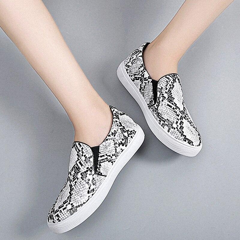 LAASIMI Mulheres Cobra Impressão Das Mulheres Da Forma Apartamentos Mocassins Deslizar Sobre Sapatos Casuais Mulher Ballet Flats Enfermeira Senhoras Sapatos de Plataforma