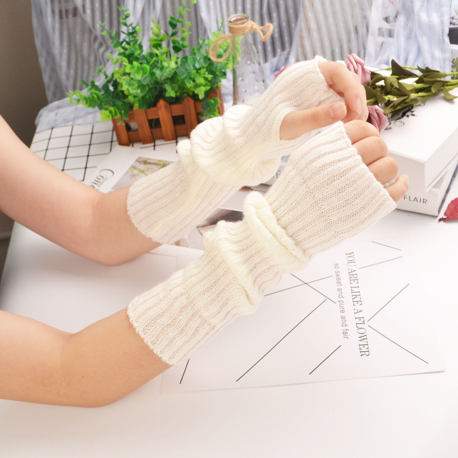 New Candy EMO Sleeve Knitted Honey Women's Warm Boys Girls Arm Wraps Couples Half Finger Cosplay Glo