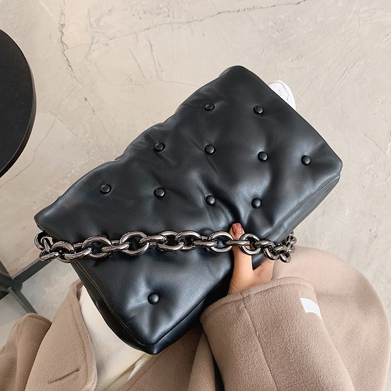 NEW Solid Color PU Leather Crossbody Bags 2020 Designer Chain Crossbody bag Lady Shoulder Messenger Bag Purse Bolso Mujer jierotyx fashion rivets belt bag pu leather crossbody bags women chain shoulder messenger bag women waist pack lady phone purse