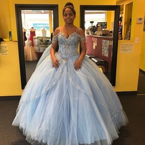 Sky Blue Tulle Ball Gown Quinceanera Dresses Lace Appliques Prom Dresses Beaded Long Sleeve Lace Up Back Vestidos De 15 Anos
