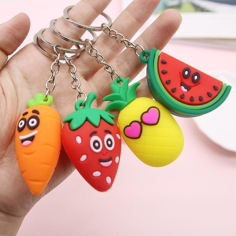 Frutas dos desenhos animados chaveiro pvc cenoura morango abacaxi melancia chaveiros feminino saco pingente bonito chaveiro presente