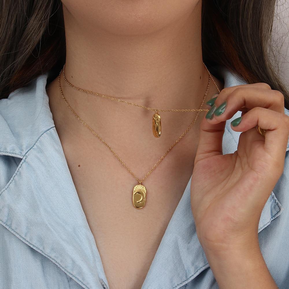 Женское-Ожерелье-из-нержавеющей-стали-небольшое-овальное-ожерелье-с-кулоном-в-виде-Луны-и-звезды-покрытое-золотом-18-карат-2021