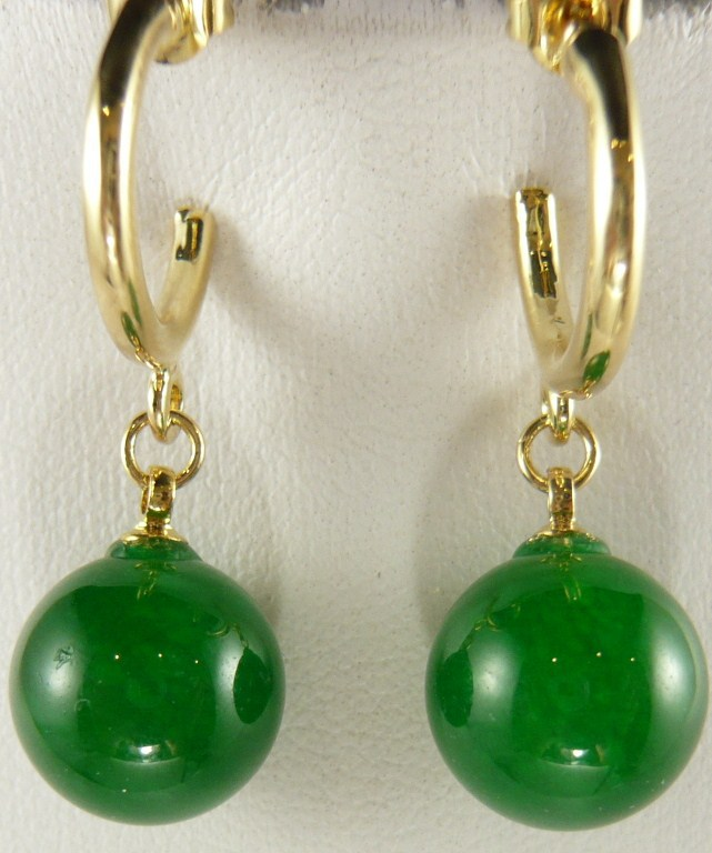 Großhandel Charming 12mm grün Natürliche jade perle 18kgp ohrringe