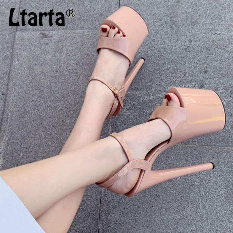 LTARTA 2020 Women Fish Toe Black White Sexy Super High Heels Sandals Model T Station 20CM Stage Catwalk Sandals JXQ