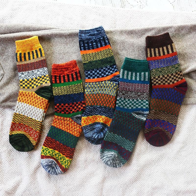 Winter New Men's Thick Warmth Harajuku Retro Fashion Casual Wool High Quality Cotton Socks Cheap Wholesale