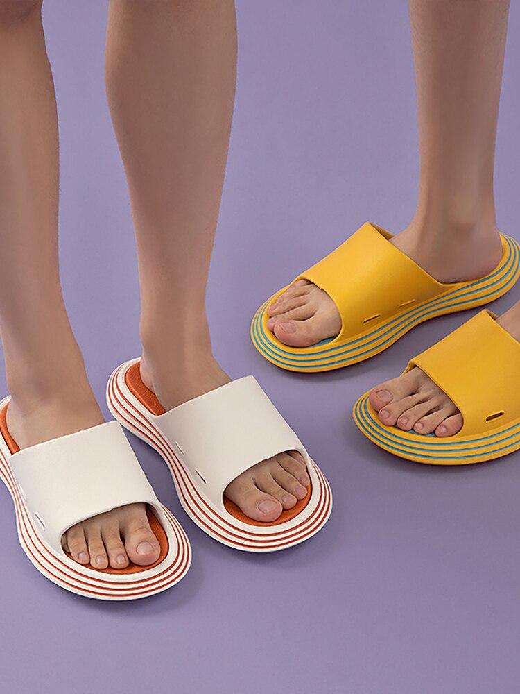 UTUNE-شبشب صيفي للرجال والنساء ، أحذية خارجية ناعمة وسميكة EVA ، نعل سميك مانع للانزلاق ، صنادل شاطئ وحمام سباحة داخلي