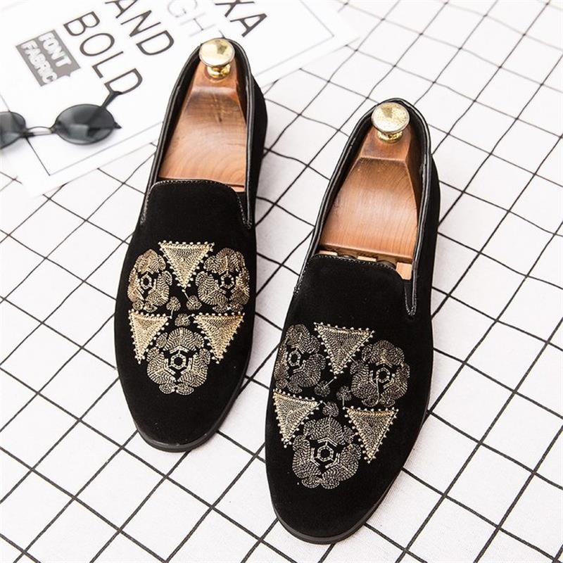 2021 حذاء رجالي موضة الأعمال عادية كل مباراة الراقية الأسود الجلد المدبوغ رائعة التطريز منخفضة الكعب مريحة المتسكعون 3KC314