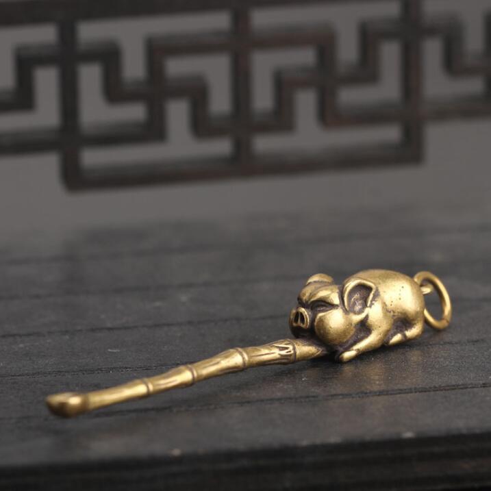 אוסף הסיני פליז מגולף בעלי החיים גלגל המזלות חזיר Earpick מעודן קטן תליון פסלי מתנה