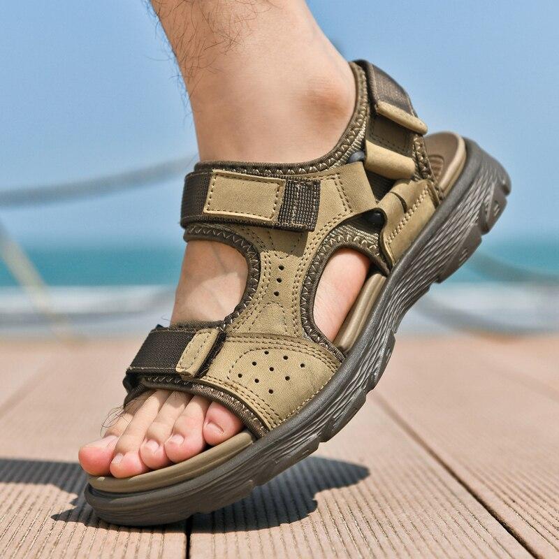 جلد أصلي للرجال أحذية الصيف جديد كبير الحجم الرجال الصنادل الرجعية الترفيه صندل رجالي غير رسمي الانزلاق على Sandalias حجم كبير 38-46