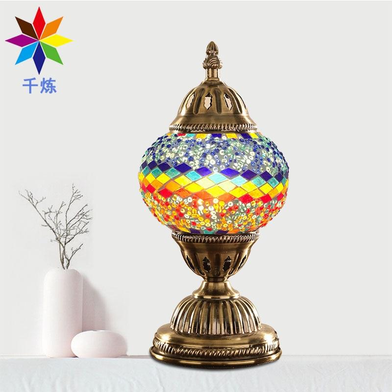 Luz de noche creativa nuevo estilo de pavo cama Individual Hotel hogar lámpara hecha a mano decoración de cristal lámpara de mesa Retro colorida