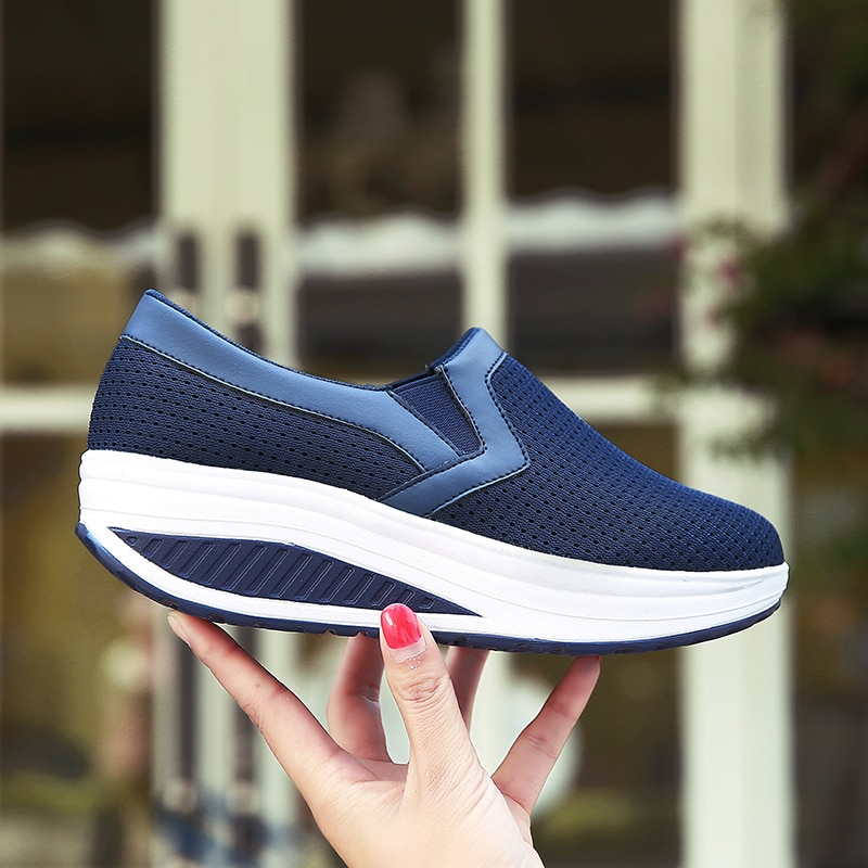Woman Casual Shoes Spring Genuine Leather Mother Sneakers Woman Swing Platform Nurse Shoes Slip-resistant Plus Size