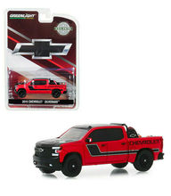 GL 164 2019 RED CHEVY SILVERADO W/ SAFETY alloy model Car Diecast Metal Toys Birthday Gift For Kids Boy