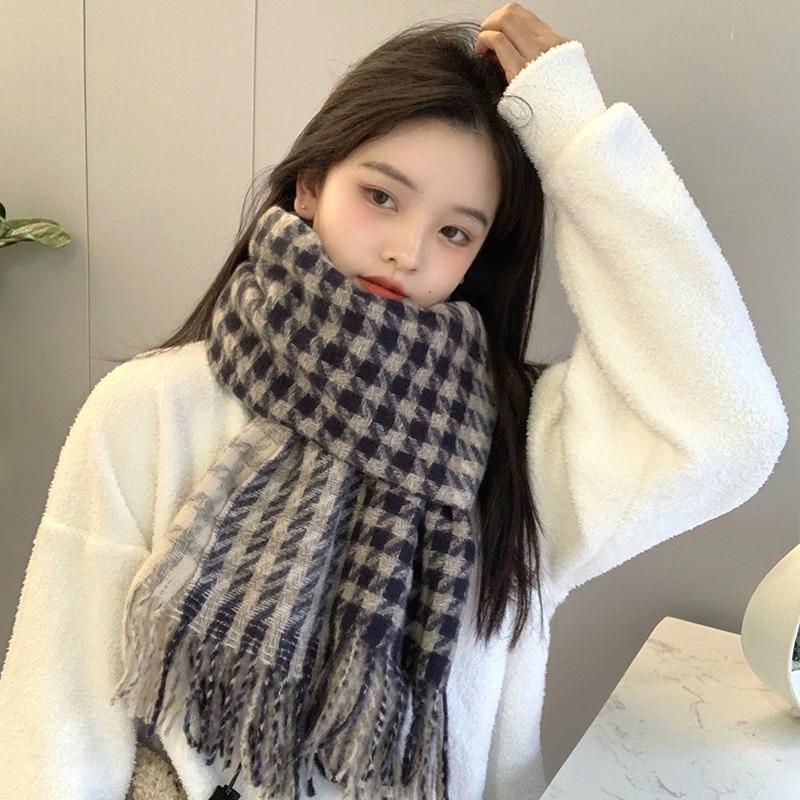2021 new scarf female qianniaoge ins winter Korean version versatile student couple male shawl warm Bib