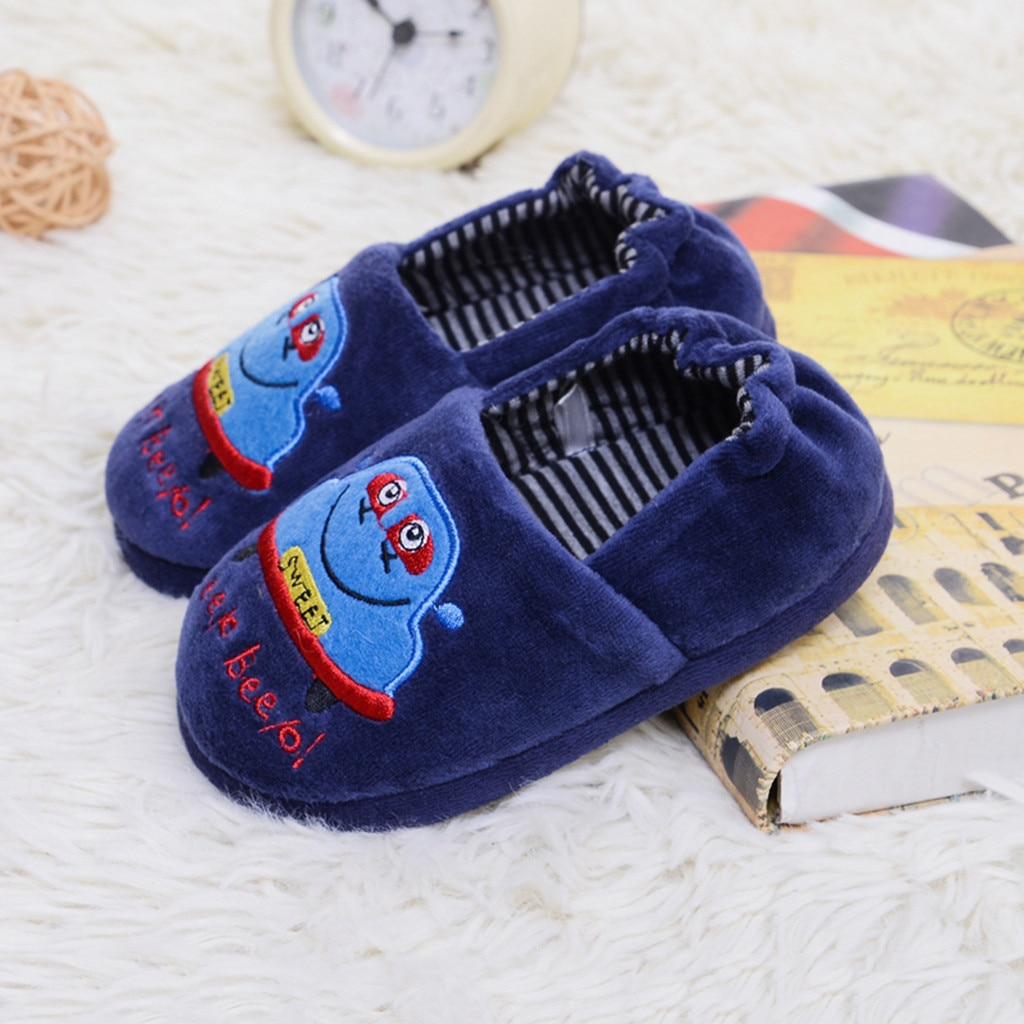 Sapatos da criança Infantil Crianças Quentes Do Bebê Das Meninas Dos Meninos Dos Desenhos Animados Chinelos Com Sola de-envolto raiz Dos Desenhos Animados chinelos quentes de algodão Macio валенки