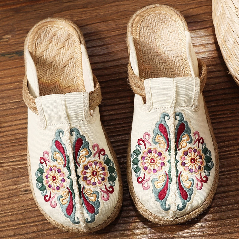 AliExpress - 2020 New Fashion Women Shoes Flats Casual Ladies Shoes Hand Woven Shoes Ancient Style Embroidered Round Toe Canvas Slip-on Beach