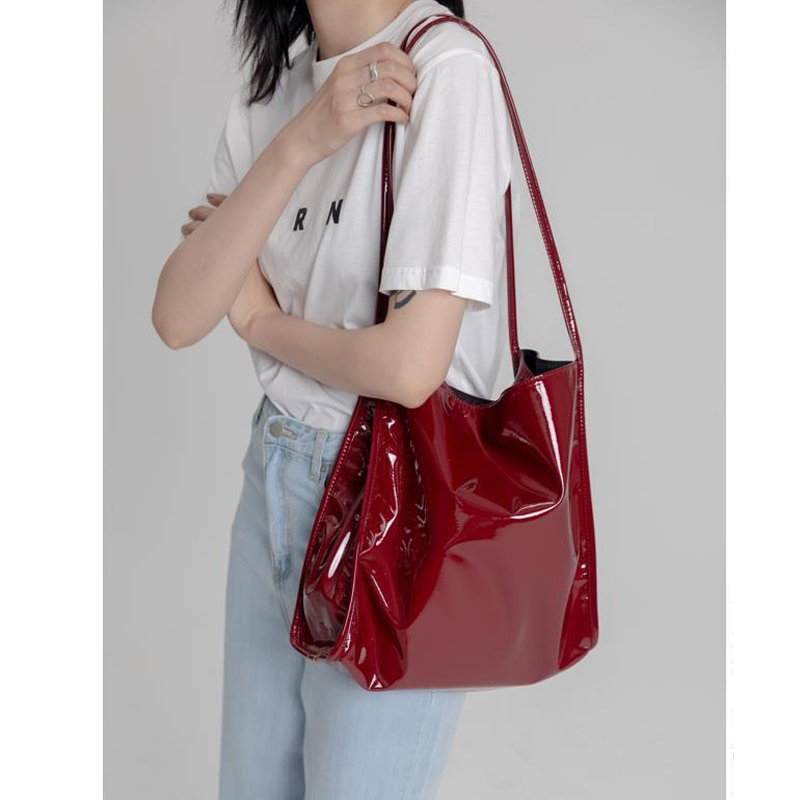 Fashion Patent Leather Women Shoulder Bags Vintage Female Casual Tote Handbags Large Capacity Ladies Shopping Bag pu leather women underarm bag handbags large capacity ladies daily small casual tote fashion solid color female shoulder bags