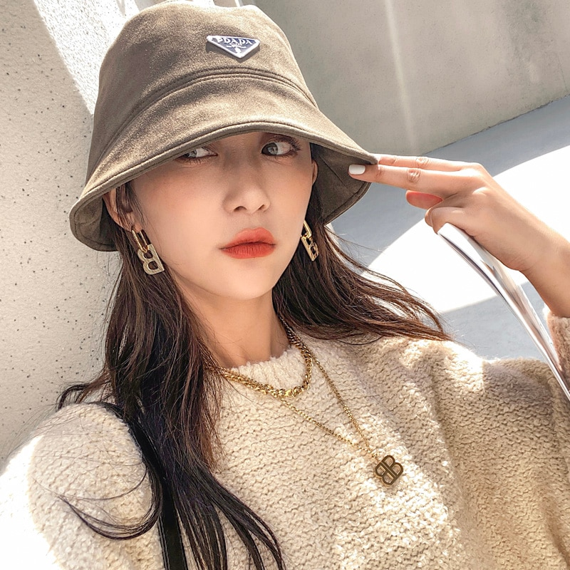 Bucket Hats For Womens- Faux Suede Foldable Hat with Faux Leather French Beret Artist Hat Aesthetic Visor Outdoor Cap