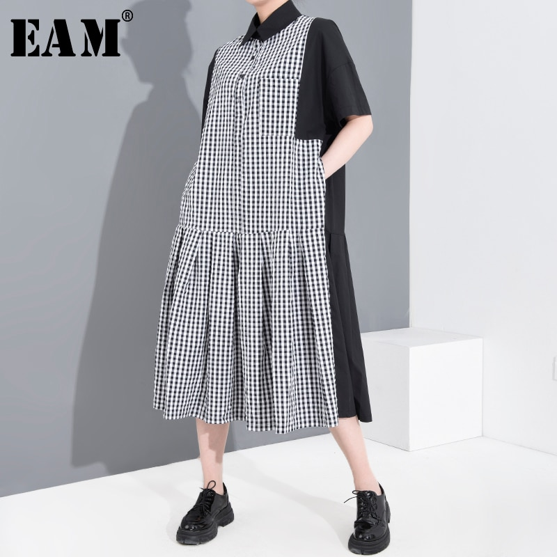 [EAM] Women Black Plaid Pleated Split Big Size Shirt Dress New Lapel Short Sleeve Loose Fit Fashion Spring Summer 2020 1T65501