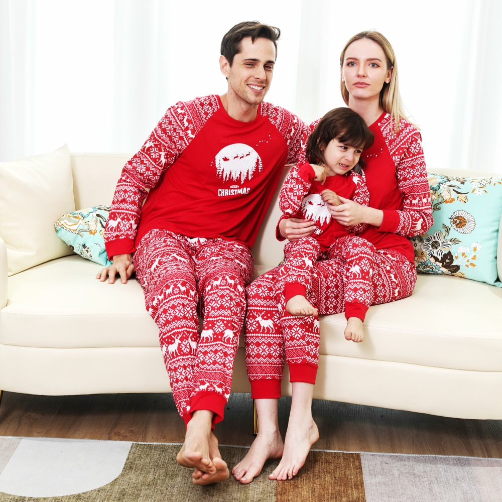 Фото - Family Christmas Pajamas Matching 2021 Deer Mommy And Me Pyjamas Clothes Sets Look Sleepwear Mother Daughter Father Son Outfit haig m father christmas and me