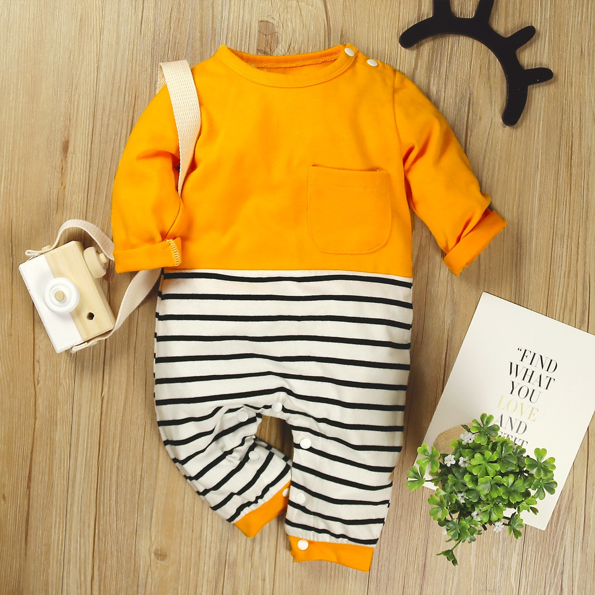 patpat 2020 spring and autumn new baby dinosaur print long sleeves 0 1 years jumpsuit one pieces baby boy clothes New  Baby Long Sleeve Cute Stripes Color Matching Spring & Autumn Clothes One-piece Rompers Baby Boy and Girl Jumpsuit