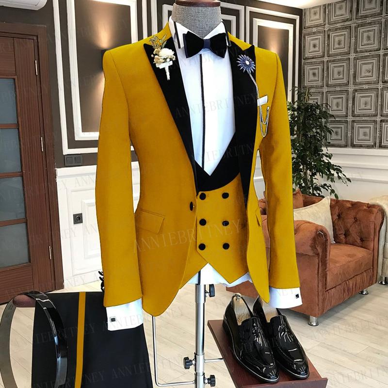 بدلة رجالية باللون الأصفر بتصميم خياط لعام 2021 بدلة سهرة سوداء بمقاس ضيق لحفلات الزفاف على الشاطئ (جاكيت + بنطلون + صدرية)