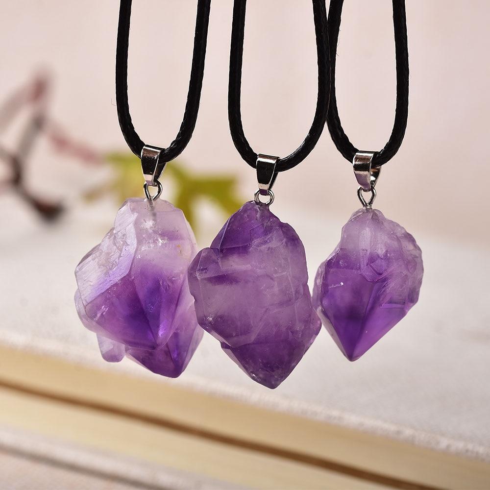 1 pieza de moda colgante de amatista Simple piedra de cuarzo Natural cristales en bruto para hombres mujeres joyería púrpura Reiki Mineral regalo