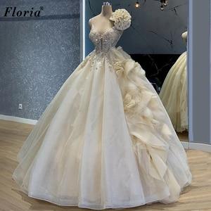 Gorgeous Light Champagne Celebrity Dresses 2020 Crystals Spaghetti Evening Dresses Princess Wedding Party Vestidos Elegantes